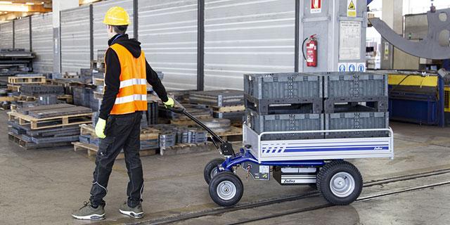 pedestrian-controlled-electric-trucks