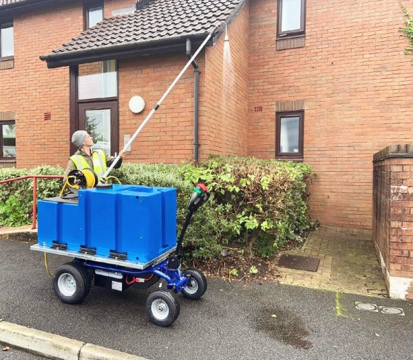 EP 500 Electric Platform Truck with Water Hose