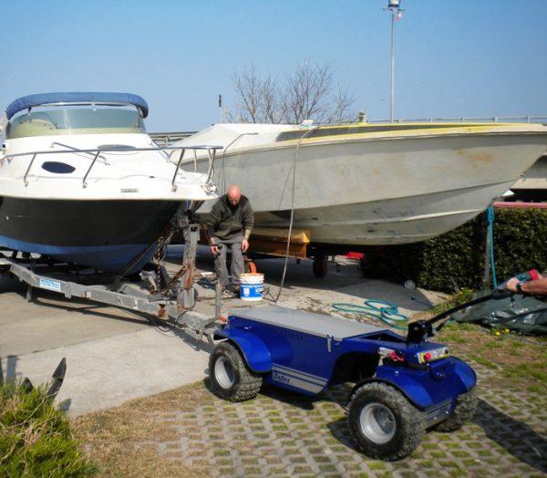 R6 Electric Platform Truck On Boatyard