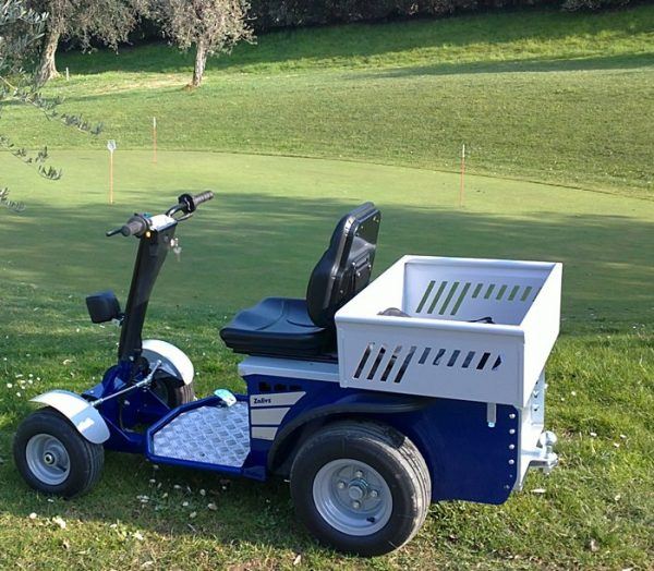 S1 Electric Ride On Tow Tug On Golf Course
